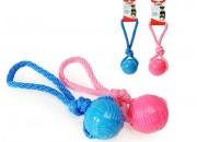 Твърда гумена топка с въже за кучета – 6 см.