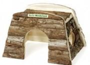 Дървена къщичка за м.свинче и малко зайче –  25х17х17см .